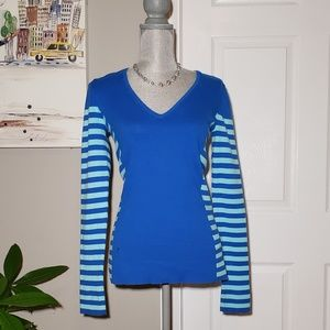 LILLY PULITZER v-neck sweater, size M